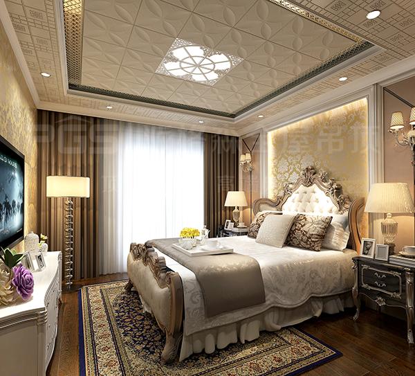 卧室吊顶选用优雅简约的扣板,摈弃豪华的大吊灯,辅之床头灯和地